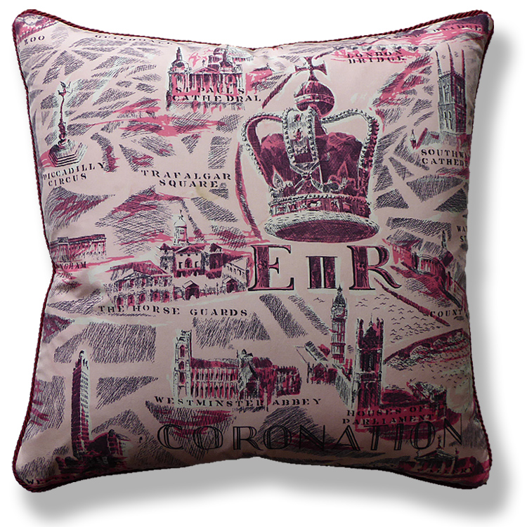 red royal vintage cushion 712