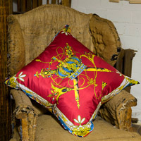 red royal vintage cushion 321